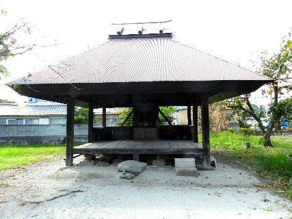 2014-09・30 路地裏の社.JPG