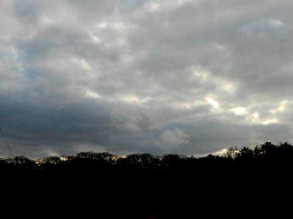 2014-12・27 里山にも雪雲が・・・.JPG